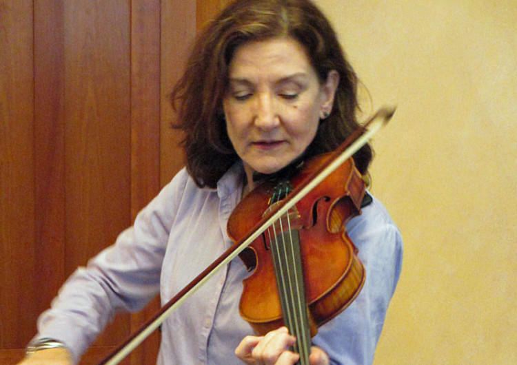 Hollis Payer fiddle